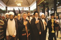در خدمت رسانی به زائران حسینی با اخلاقتان، مروج نظام اسلامی باشید
