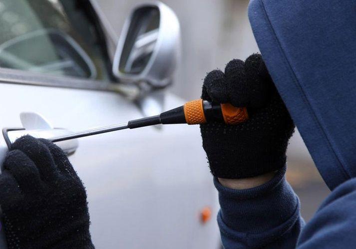 سارق خودرو با ۸ فقره سرقت در آستارا دستگیر شد