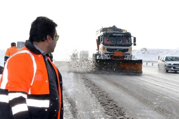 بارش شدید برف و باران در محورهای روستایی