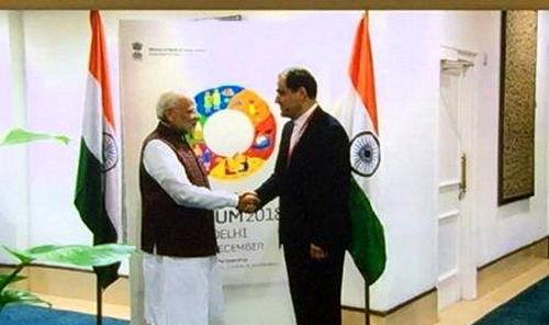 وزیر بهداشت با نخست وزیر هندوستان دیدار کرد