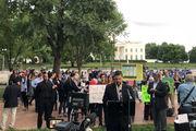 تجمع پرستاران آمریکایی مقابل کاخ سفید به دلیل کمبود امکانات