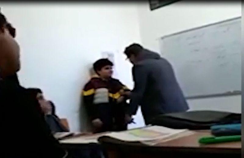 کلیپ رفتار تحقیرآمیز یک معلم با دانش آموز بوشهری صحت دارد/ معلم بوشهری از رفتن به کلاس درس منع شده است