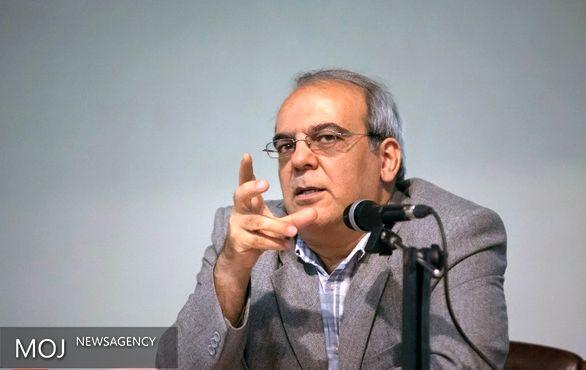انتقاد شدید عباس عبدی از «متهمان با پروندههای سنگین» که مدیر عالی شدند