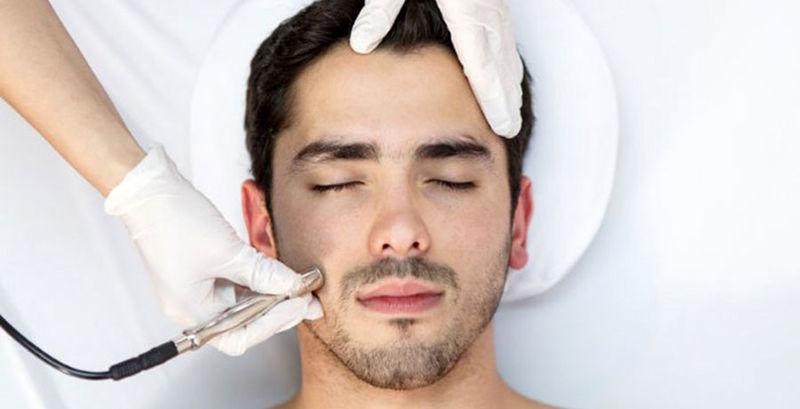 میکرودرم ابریژن برای درمان آسیب های پوستی چه فایده ای دارد؟