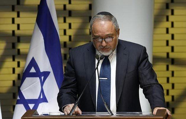 لیبرمن: عباس مشتاق جنگ اسرائیل – حماس است
