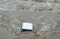 سقوط پراید به داخل رودخانه روبار چیره شهرستان فومن/جستجو برای اطلاع از سرنوشت سرنشینان ادامه دارد