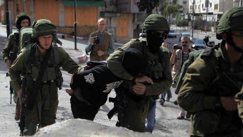 بازداشت 12 فلسطینی در کرانه باختری توسط رژیم صهیونیستی