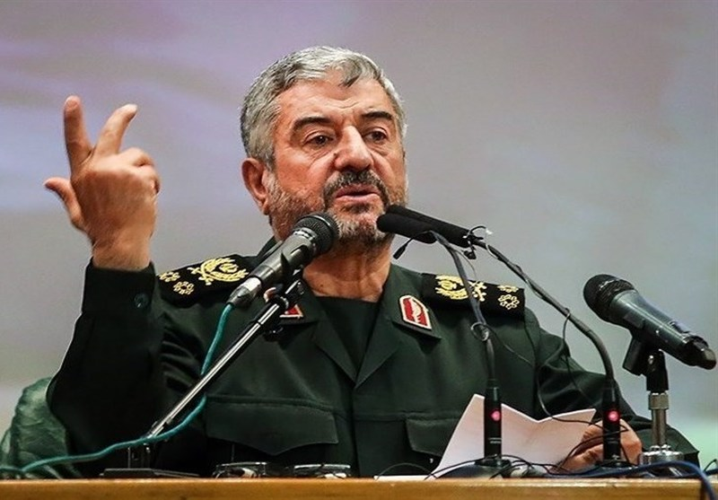 تبریک سرلشکر باقری به مناسبت هفته نیروی انتظامی