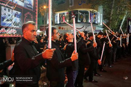 عزاداری شب عاشورای حسینی در محله منیریه