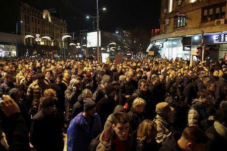 ادامه تظاهرات در صربستان