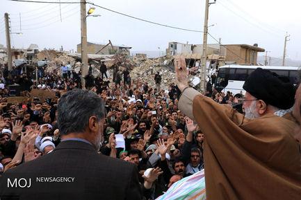 بازدید مقام معظم رهبری از منطقه زلزله زده سرپل ذهاب
