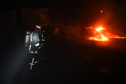 حریق گسترده انبار سیلندر گاز مایع در بلوار خلیج فارس با ۱۰ خودروی سنگین اطفا شد