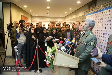 امیر سرتیپ امیر حاتمی وزیر دفاع و پشتیبانی نیروهای مسلح در جمع خبرنگاران