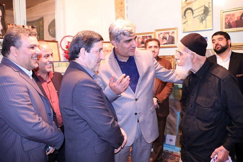 استاندار گیلان با بسیجی حاج حسن جوشن دیدار کرد