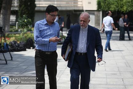 حاشیه جلسه هیات دولت - ۱۲ تیر ۱۳۹۸ / بیژن زنگنه وزیر نفت