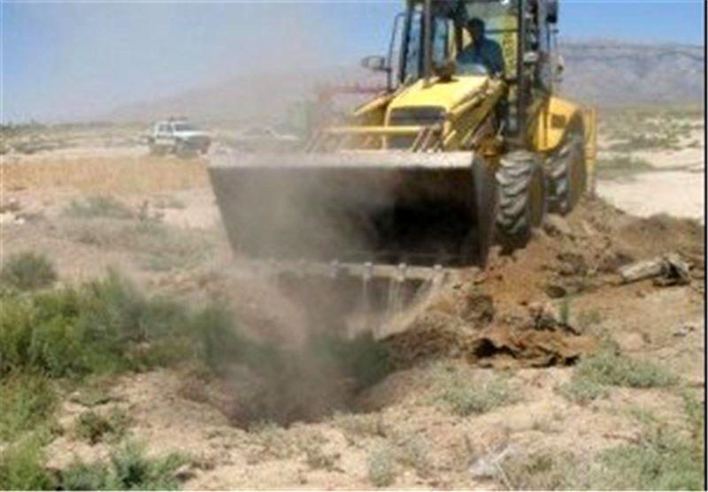 دو حلقه چاه غیرمجاز  در بوئین و میاندشت پر و مسدود شد