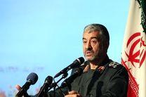 بسیج و سپاه وظیفه سنگینی در دفاع از انقلاب دارند