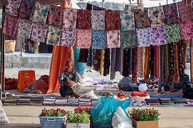 پلاک گذاری غرفه های  فعال بازارچه 22 بهمن بندرعباس