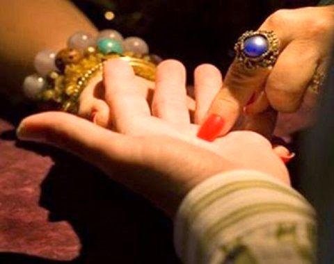 دستگیری زن رمال  در اصفهان/ اعتراف به30 میلیارد ریال کلاهبرداری