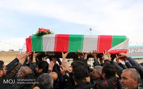 تشییع پیکر میلاد آروی از شهدای سانحه سانچی در شاهین شهر