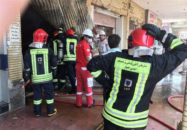 آتش سوزی پاساژ رضوان پس از 5 ساعت مهار شد