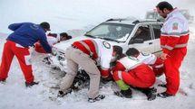 امدادرسانی نیروهای هلال احمر اصفهان به 132 خودروی گرفتار در برف
