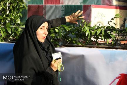 تشیع پیکرهای مطهر 135 شهید گمنام دوران دفاع مقدس