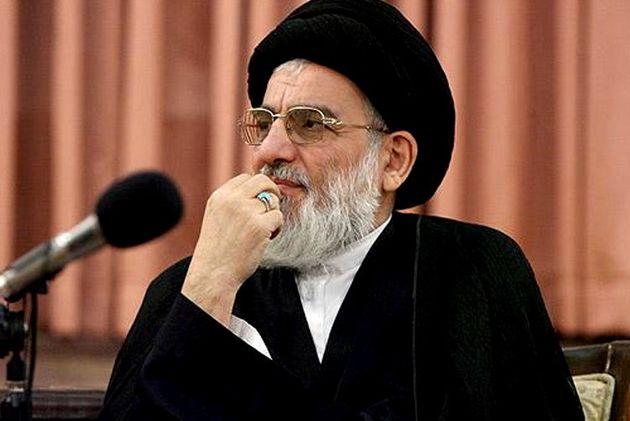 رئیس مجمع تشخیص مصلحت نظام به محمود احمدی نژاد تسلیت گفت