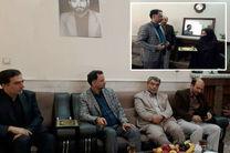 دیدار مدیر کل آموزش و پرورش استان قم با خانواده شهید فرهنگی