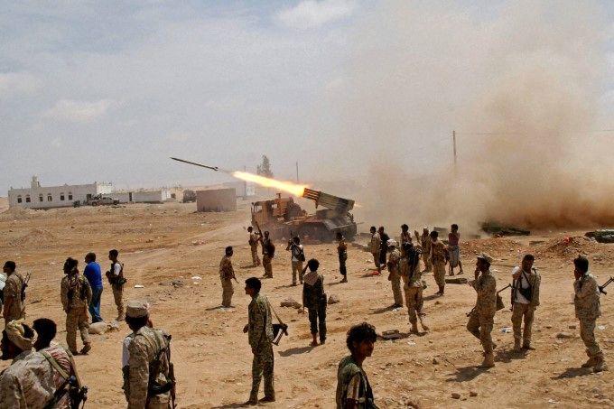 حمله موشکی به محل تجمع نظامیان سعودی
