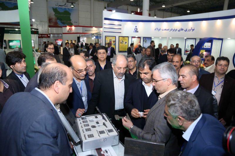 بازدید رئیس هیات عامل ایمیدرو از محصولات جدید ذوب آهن اصفهان