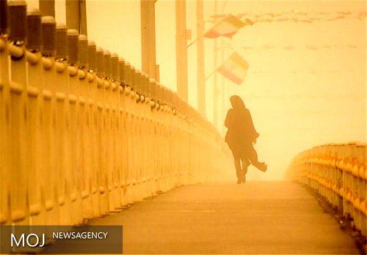 توزیع ۳۲ هزار ماسک درپی طوفان شن سیستان / عملیات همچنان ادامه دارد