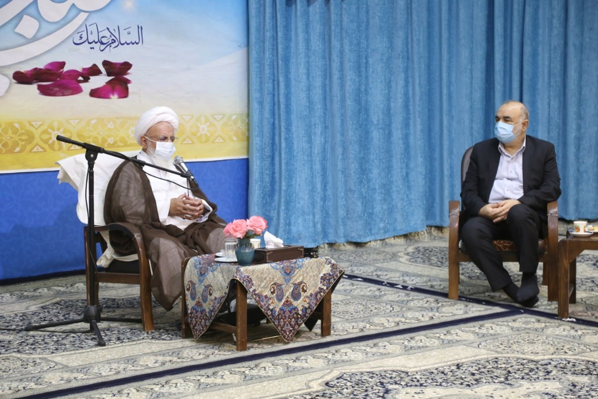 فرمانده کل سپاه به مناسبت برگزاری کنگره ملی 4000 شهید با امام جمعه یزد دیدار کرد