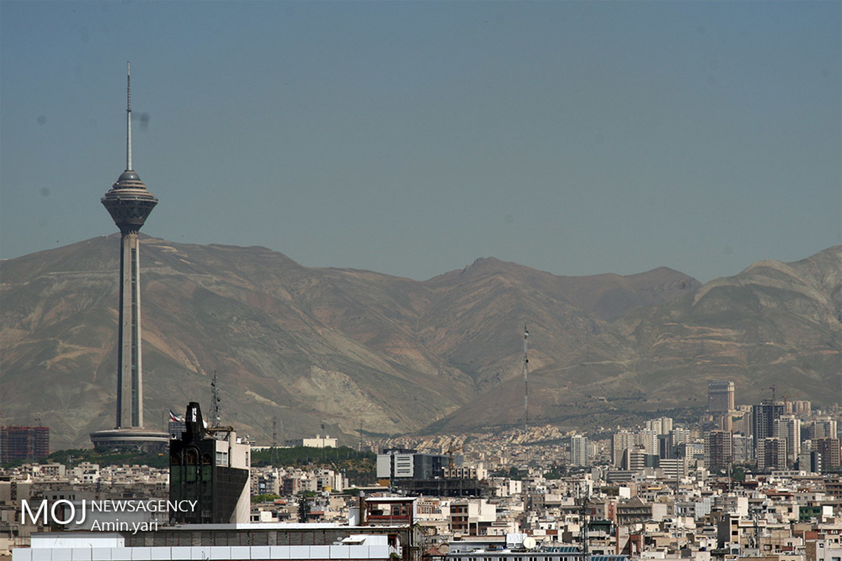 کیفیت هوای تهران ۱۷ فروردین ۱۴۰۰/ شاخص کیفیت هوا به ۶۵ رسید