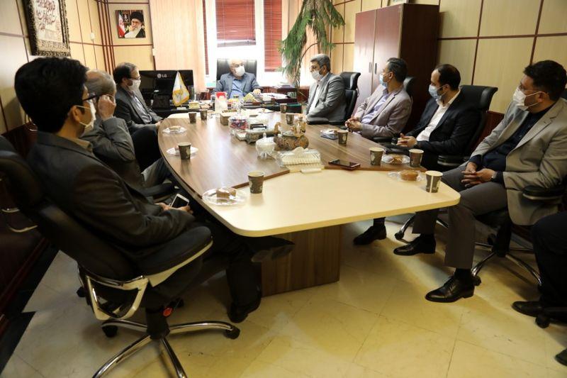 همه معتقدان به منافع ملی در دایره همکاران شبکه مستند قرار دارند