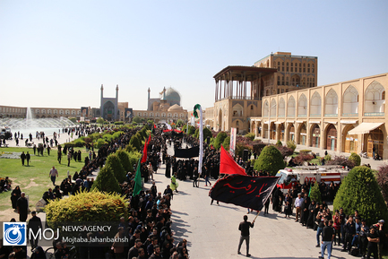 عزاداری ظهر عاشورای حسینی (ع) در اصفهان