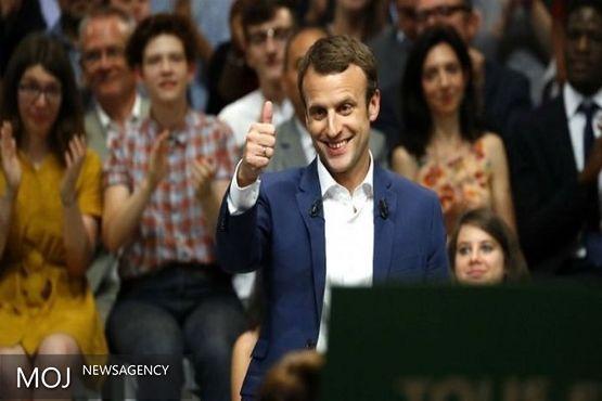 وزیر اقتصاد فرانسه استعفا کرد