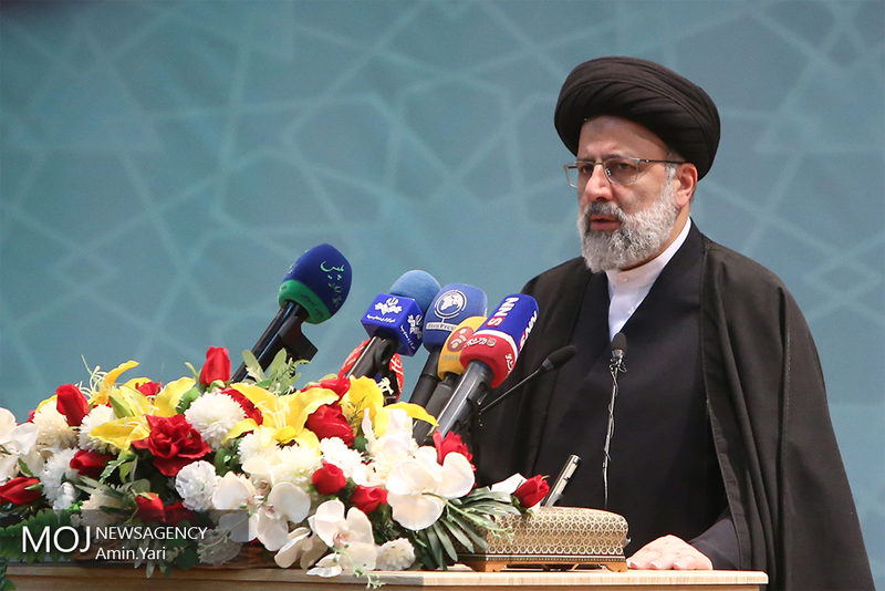 ایران تسلیم نمیشود/ مصمم هستیم علی رغم فشارها کُند نشویم