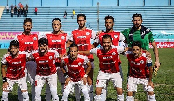 تیم فوتبال خونهبهخونه بابل صدرنشین لیگ یک را شکست داد