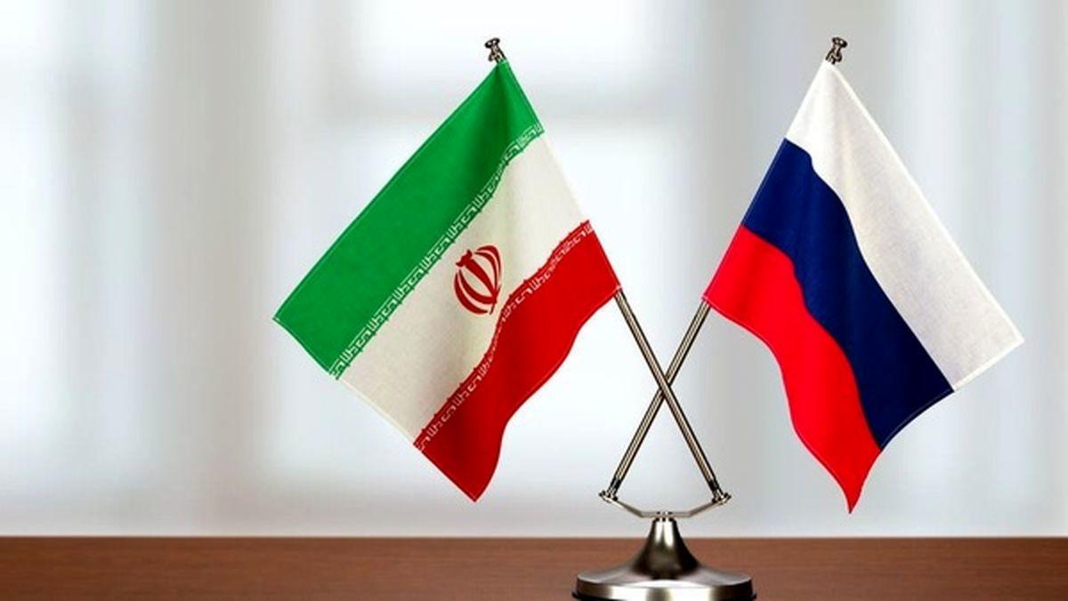 حضور فرماندهان نیروی دریایی ایران و هند در مراسم نیروی دریایی روسیه