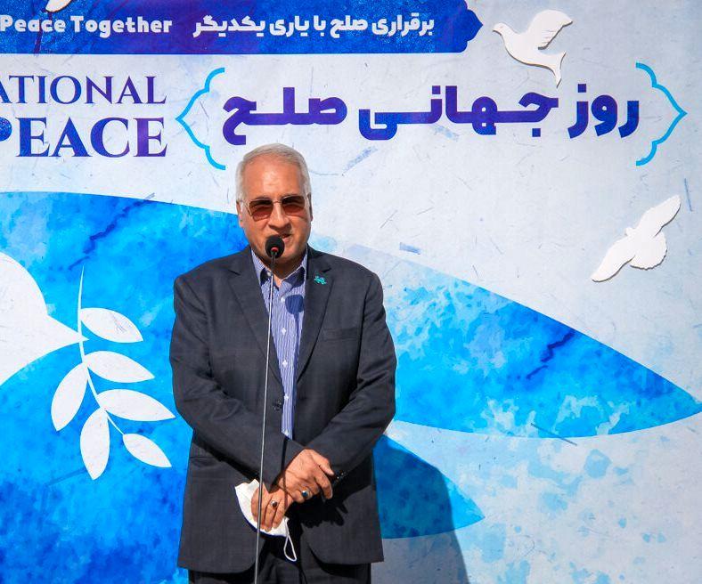 بخشی از معنای صلح، رعایت حقوق یکدیگر است