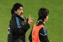 انتقاد تند مارادونا از سامپائولی