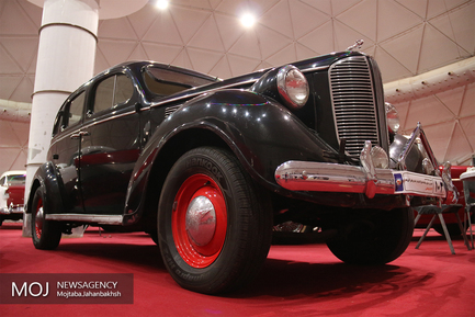 نمایشگاه خودروهای کلاسیک وآفرود در اصفهان