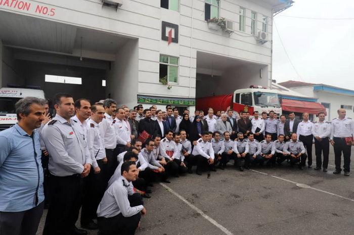 تقدیر از خانواده های شهدا و ایثارگران آتش نشان