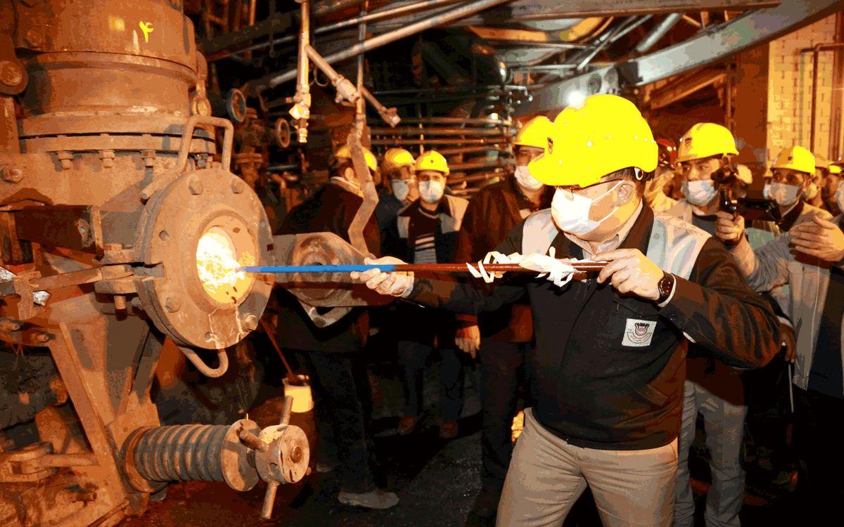 متخصصان ذوب آهن اصفهان توانایی ساخت و راه اندازی کوره بلند را دارند