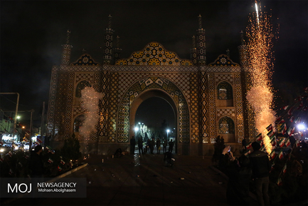 نورافشانی میدان شوش در شب 22 بهمن