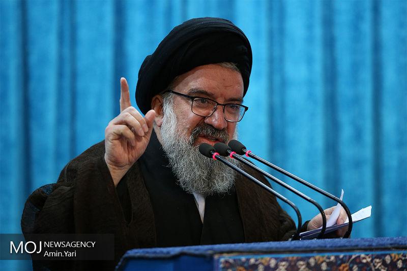 دولتمردان تابلو نظام هستند/ نظام اسلامی از خطوط قرمز خود سر سوزن عقب نخواهد نشست