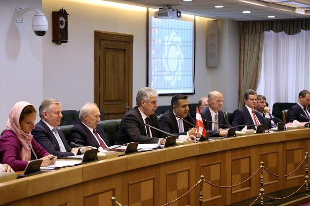 افتتاح حساب های بانک مرکزی ایران و اتریش نزد یکدیگر