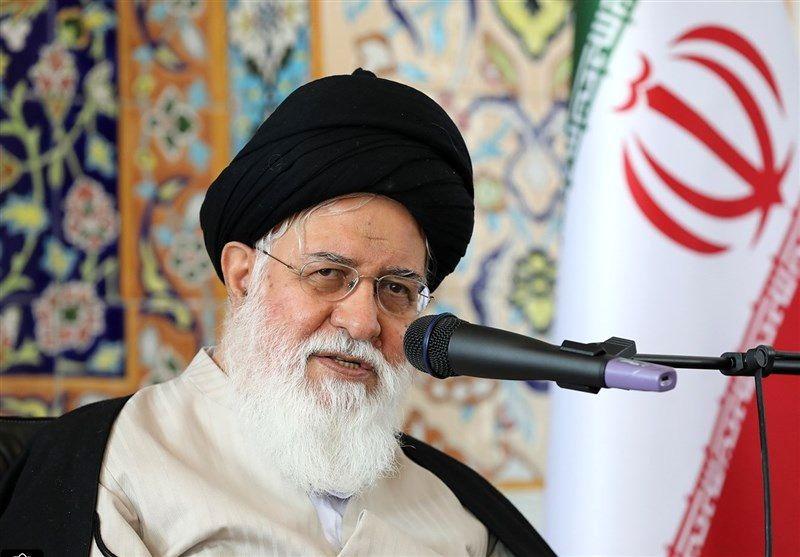 ناوگان دشمن در مقابل ایران ضعیف است/ مسئولان در شرایط فعلی کشور کنار نایستند