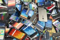 دستگیری مالخر گوشی های تلفن همراه در خمینی شهر/ کشف 80 دستگاه گوشی تلفن همراه